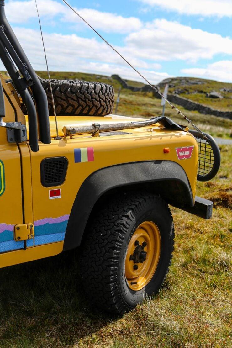 Camel Trophy Land Rover Defender 9