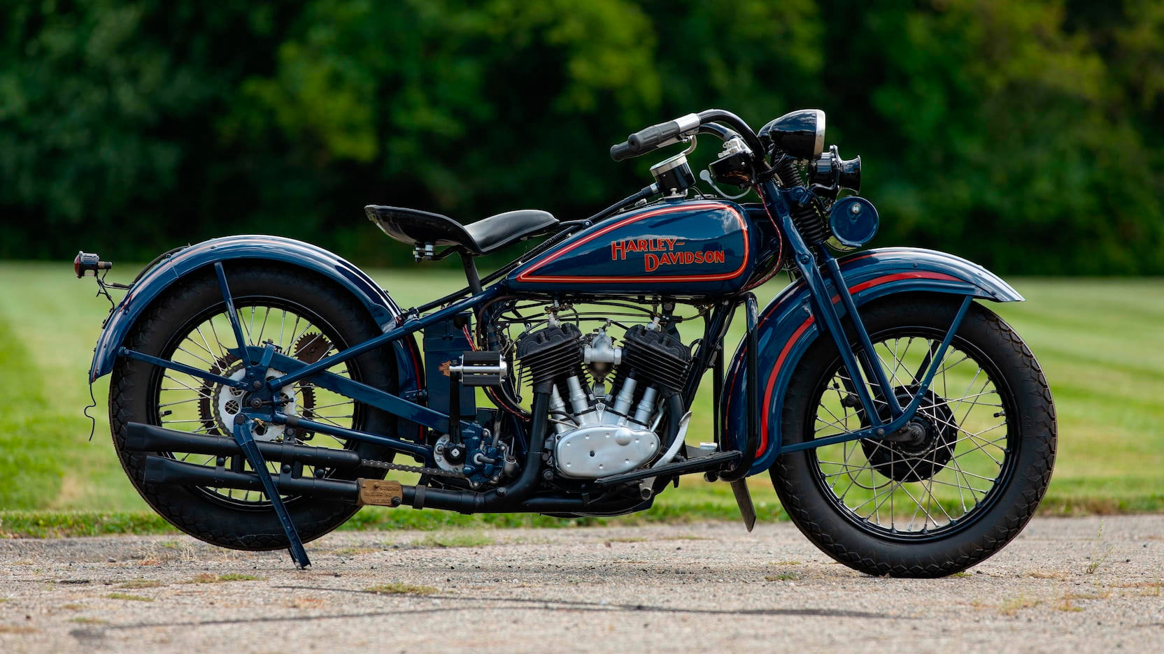 Harley-Davidson Model D Flathead 1